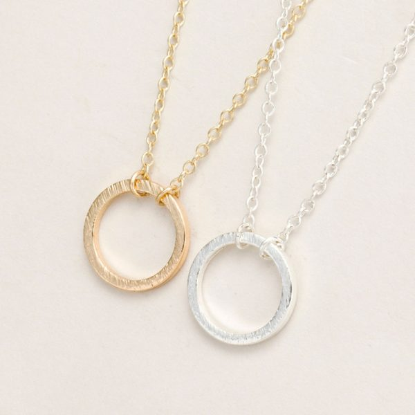 Brushed-Figure-Forever-Circle-Pendant-Necklaces-for-Women-Alloy-Fashion-Long-Chain-Geometric-Classic-Circle-Necklace